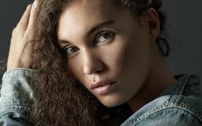 Picture sponge, curls, Sophie Adams