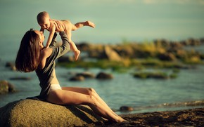 Picture sand, nature, stones, shore, woman, baby, mom, child, mother, motherhood, Marianne Smolin
