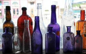 Picture color, shelf, bottle
