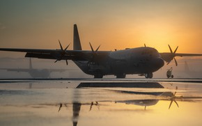 Picture UNITED STATES AIR FORCE, Lockheed Martin, American military transport aircraft, medium and long range, C-130J …