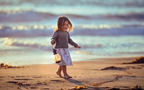 Picture sand, sea, girl, lantern