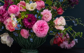 Picture roses, bouquet, tulips, forget-me-nots, Ranunculus