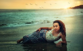 Picture sea, girl, sunset, shore