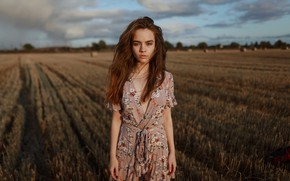 Picture girl, in the field, Aleks Five