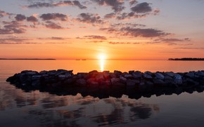 Picture sea, the sky, water, clouds, sunset, reflection, stones, shore, ships, horizon
