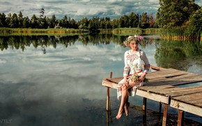 Picture water, Girl, pierce, sitting, wreath, Aleksandr Suhar, Aliona Turcan