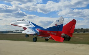 Picture Swifts, multi-role fighter of the fourth generation, Fulcrum, OKB MiG, Aerobatic team, double training-combat fighter, …