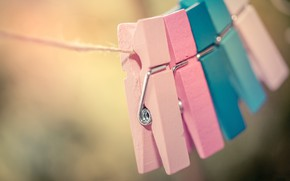 Picture macro, color, clothespins