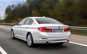 Picture white, trees, movement, BMW, sedan, hybrid, 5, four-door, 2017, 5-series, G30, 530e iPerformance