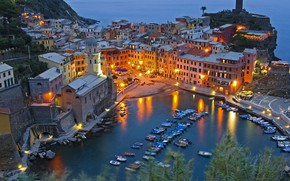 Picture lights, the evening, Italy, Vernazza