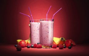 Picture berries, raspberry, strawberry, bananas, cocktail, tube