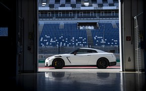 Picture white, Nissan, GT-R, R35, in profile, Nismo, 2020, 2019