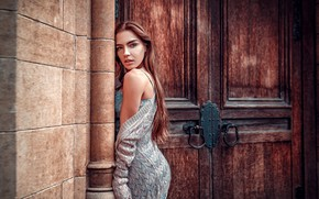 Wallpaper look, pose, wall, the building, portrait, makeup, door, figure, dress, hairstyle, brown hair, beauty, Lily, ...