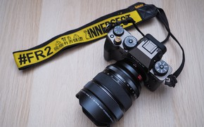 Picture The camera, lens, FUJIFILM X-T4