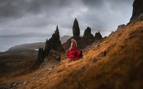 Picture slope, mountains, the descent, shore, the atmosphere, sea, back, girl, overcast, long-haired, rocks, clouds, pose, …