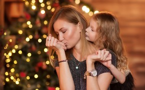 Picture holiday, woman, tenderness, new year, girl, tree, mom, child, bokeh, daughter, mother, Julia Kubar