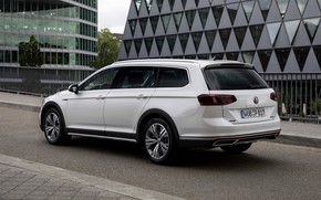 Picture white, the city, Volkswagen, universal, Passat, Alltrack, 2019