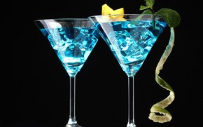 Picture ice, glasses, cocktail, mint, peel, blue lagoon, cannon