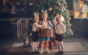 Picture children, holiday, new year, pipe, instrumento, tree, mask, drum, costumes, bunnies, kindergarten, Marianne Smolin