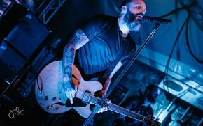 Picture guitar, concert, Justin Furstenfeld, Blue October