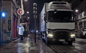 Picture night, truck, meat, Renault, shipping, carcass, body-refrigerated, Renault Trucks, T-series, happy butcher
