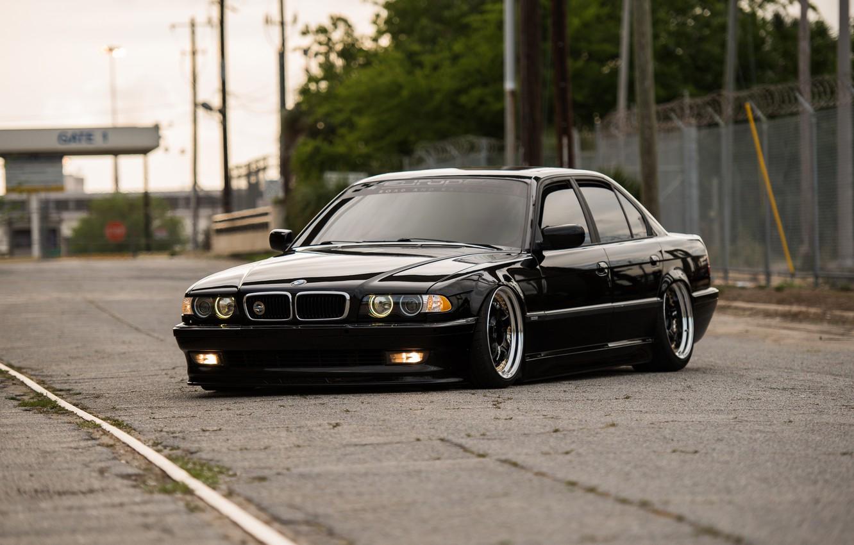 Photo wallpaper BMW, E38, BMW E38