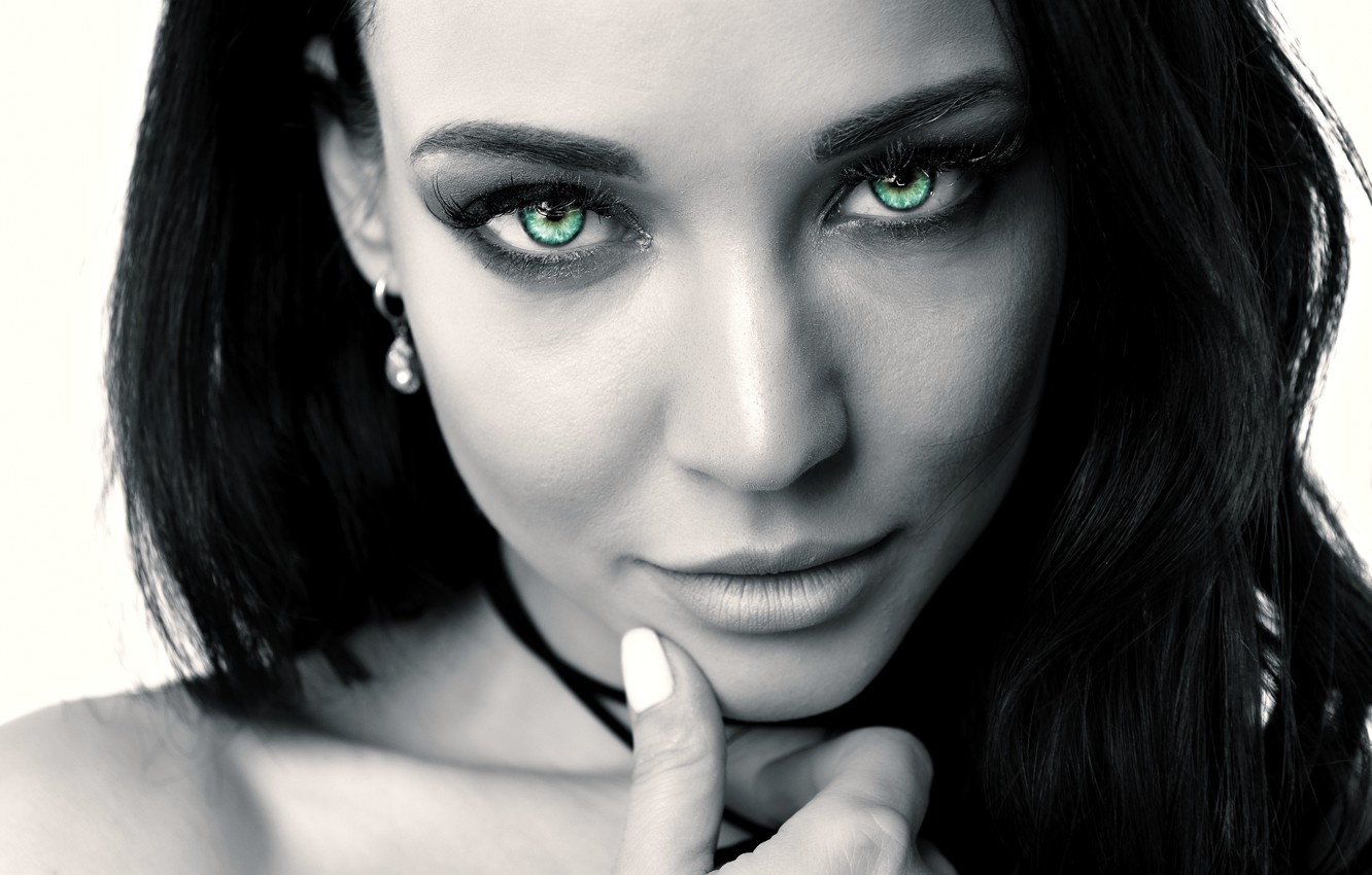 Photo wallpaper black white girl green eyes long hair photo