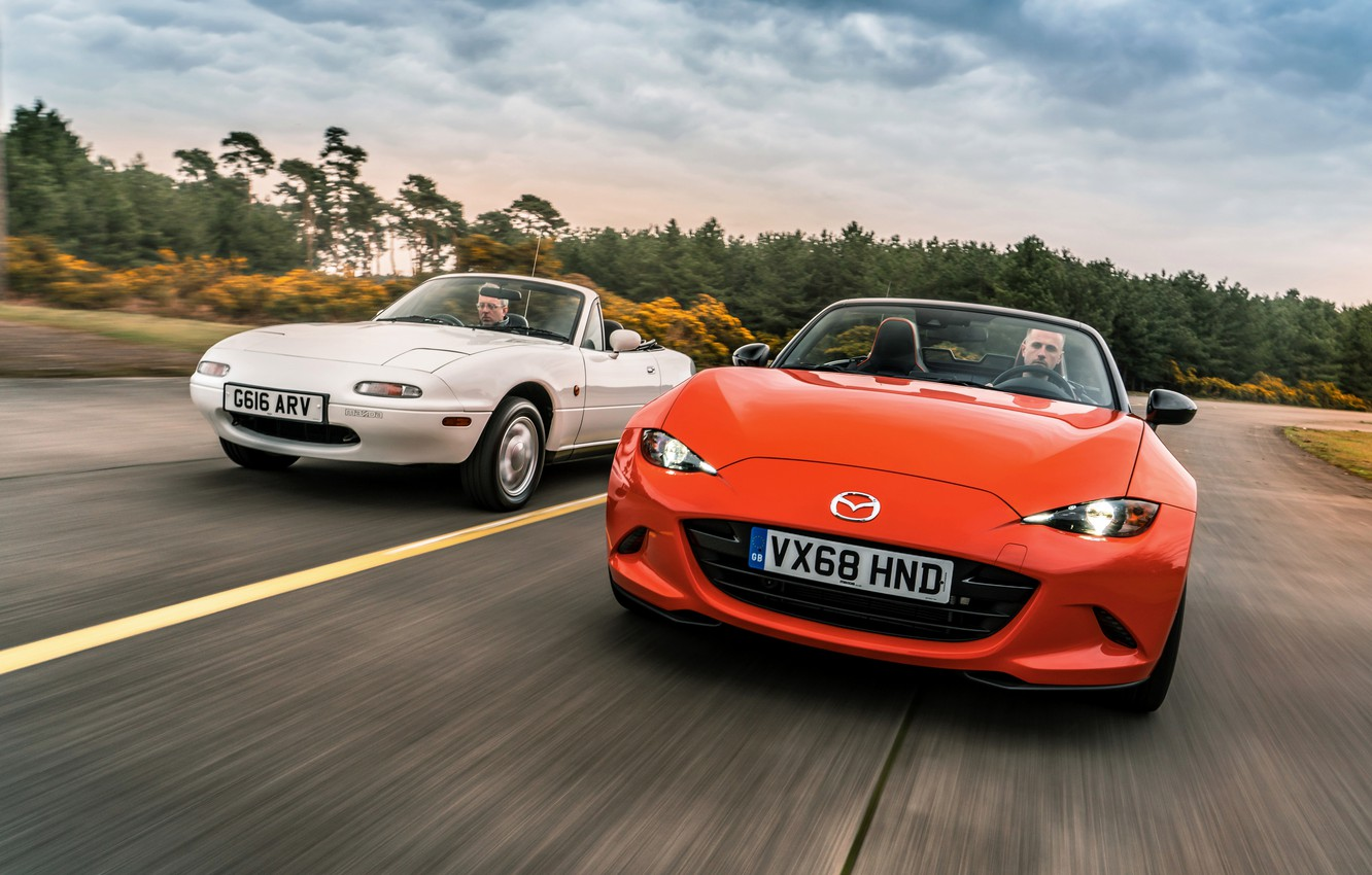 Photo wallpaper white, orange, Mazda, MX-5, roadsters, the first generation (NA), fourth generation (ND)