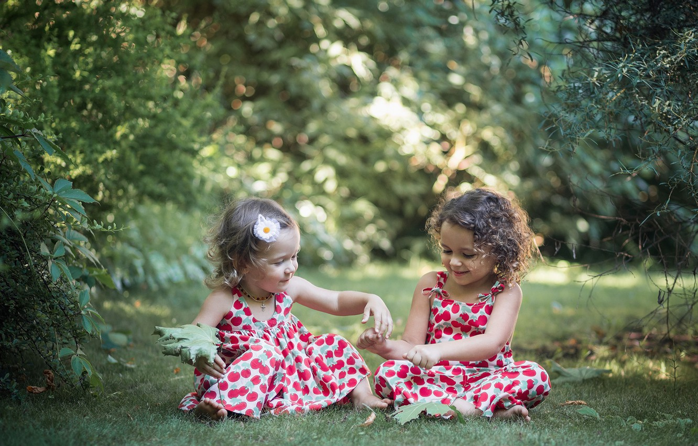 Photo wallpaper summer, grass, leaves, trees, nature, children, girls, the game, maple, the bushes, bokeh, baby, dresses, …
