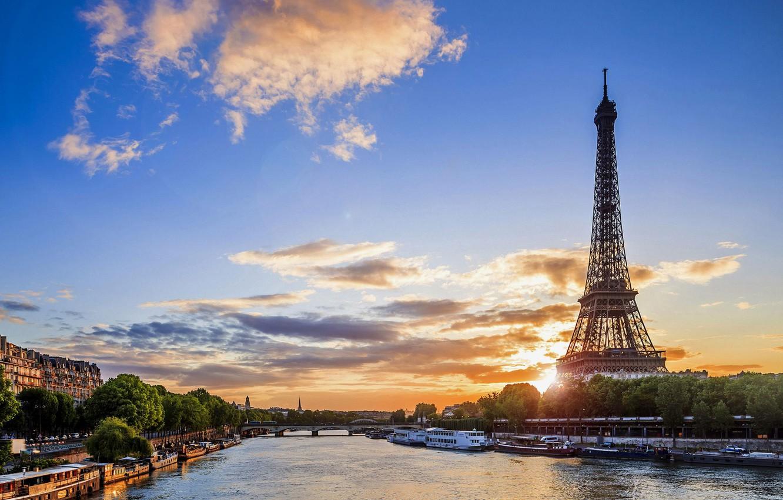 Photo wallpaper clouds, Paris, morning.