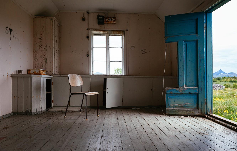 Photo wallpaper room, the door, chair, naturalism