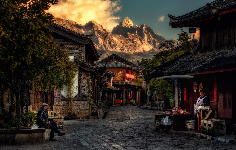 Photo wallpaper mountains, the city, people, street, home, morning, China, Байша, Baisha