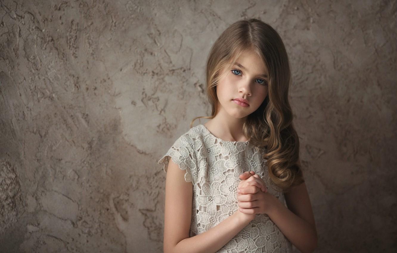 Photo wallpaper hair, girl, eyes.