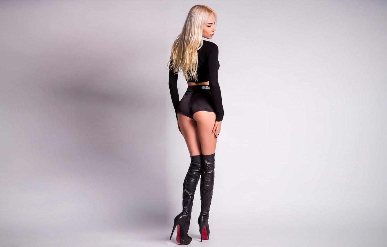 Photo wallpaper ass, shorts, boots, figure, blonde, is, denim shorts, slender blonde