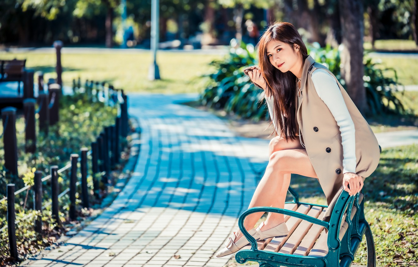 Photo wallpaper Park, Asian, sitting, bench