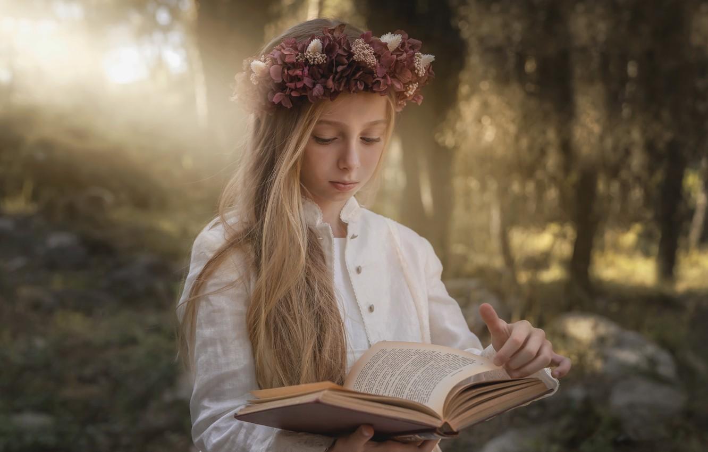 Photo wallpaper portrait, girl, book