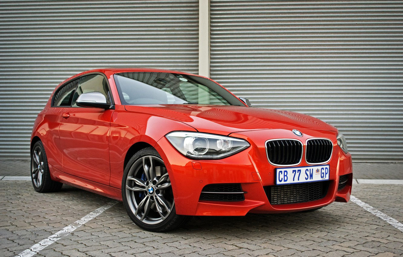 Photo wallpaper BMW, red, M135i