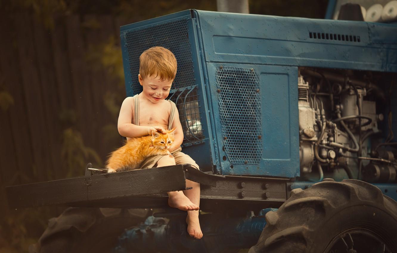 Photo wallpaper animal, boy, tractor, cub, kitty, child, grimy, Marianne Smolin, boy