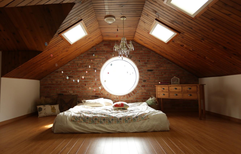 Photo wallpaper room, Windows, lamp, bed, interior, chandelier, garland, light bulb, chest, attic