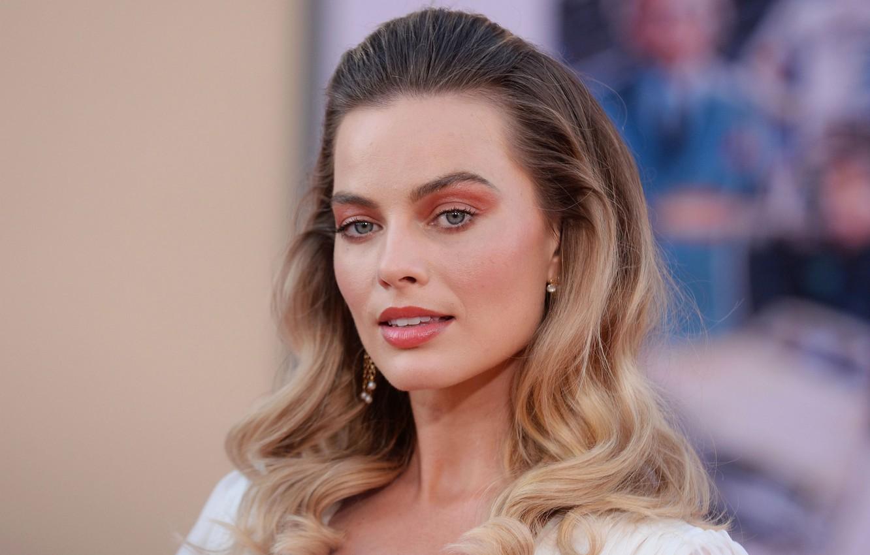 Photo wallpaper look, portrait, actress, blonde, photoshoot, look, blonde, actress, Margot Robbie, Margot Robbie