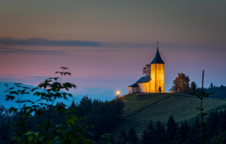 Photo wallpaper landscape, nature, fog, dawn, morning, backlight, hill, track, Church, twilight, Slovenia, Yamnik