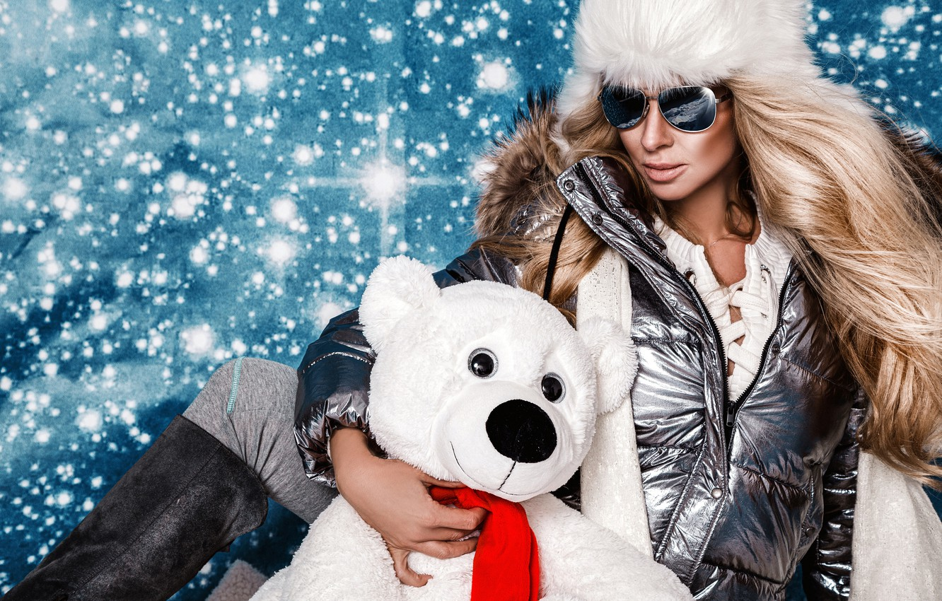 Photo wallpaper snowflakes, pose, background, model, hat, new year, portrait, boots, glasses, jacket, hairstyle, bear, blonde, bokeh