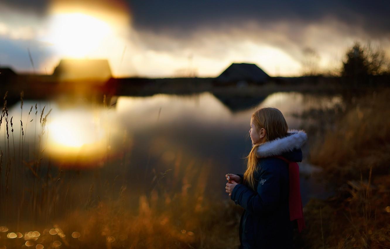 Photo wallpaper childhood, girl, History of childhood, Silence on the lake