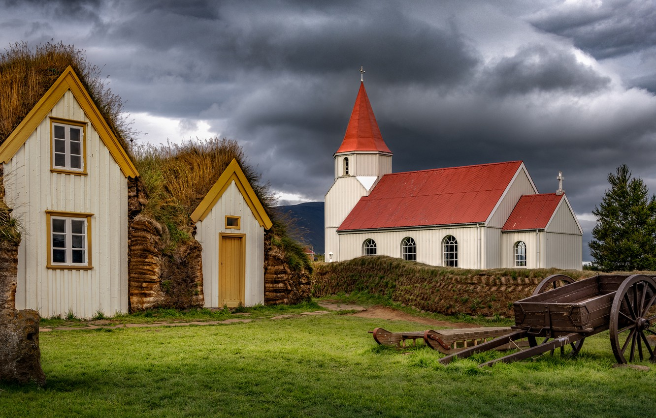 Photo wallpaper greens, the sky, grass, clouds, glade, the building, home, the fence, car, yard, Church, houses, …