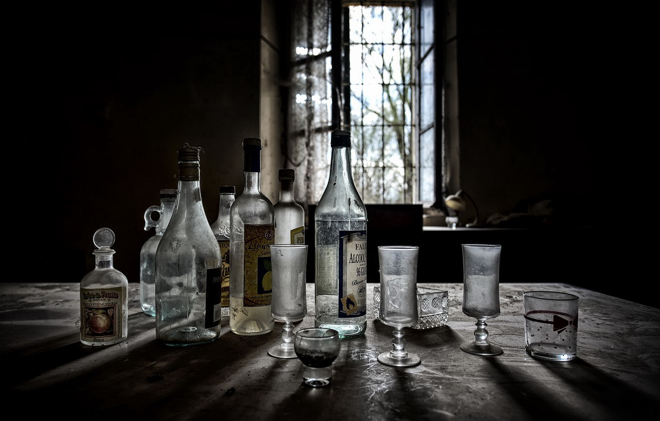 Photo wallpaper glasses, window, bottle, naturalism