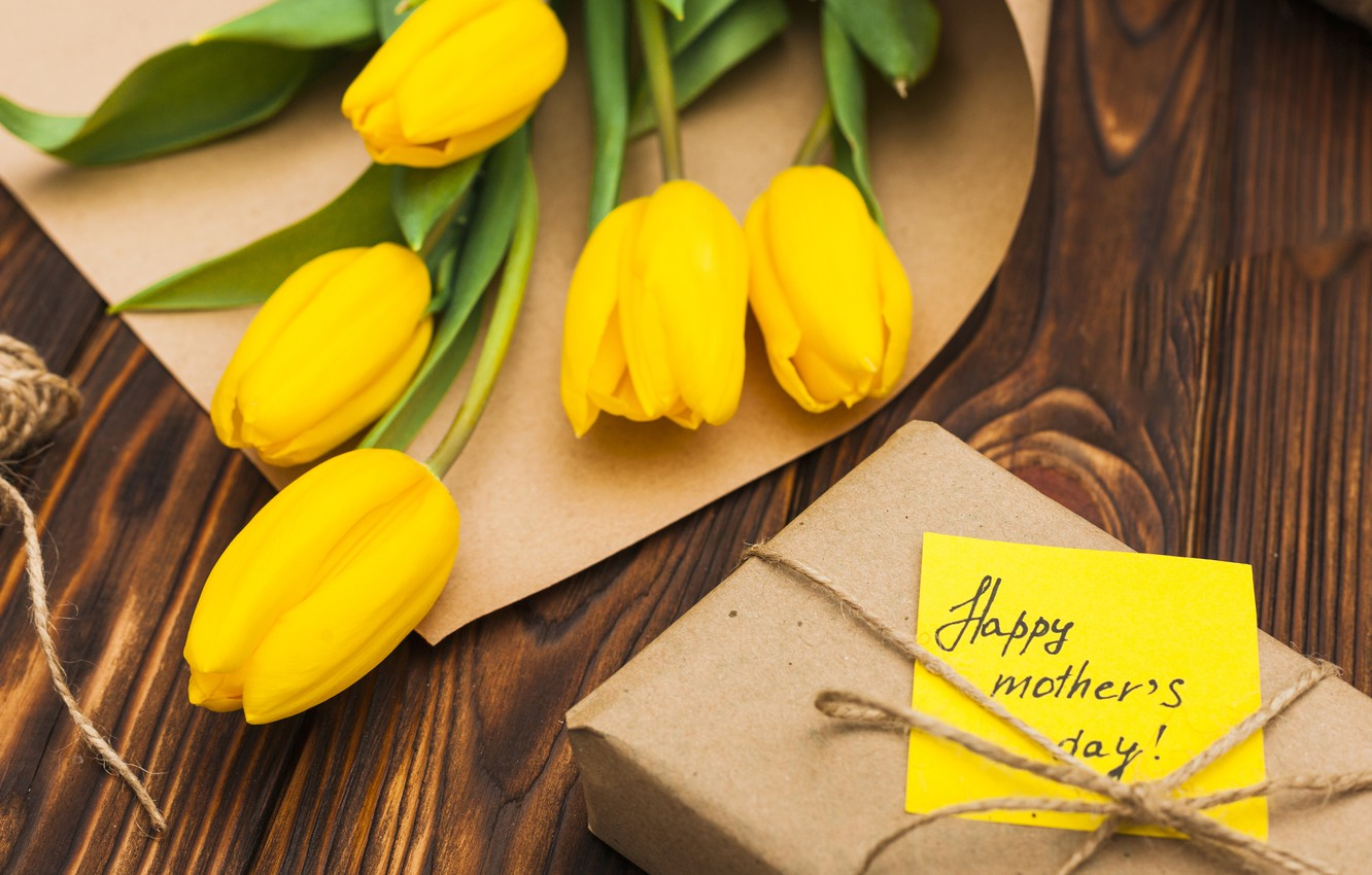 Wallpaper Gift Bouquet Spring Cute Yellow Tulips Wood The