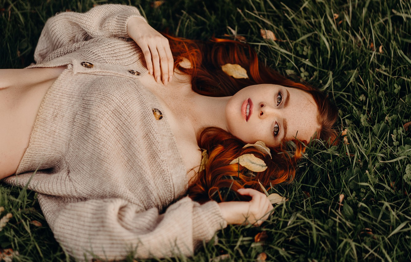Photo wallpaper grass, look, girl, face, pose, red, jacket, redhead, Natalia Andreeva, by Альбина Пономарёва
