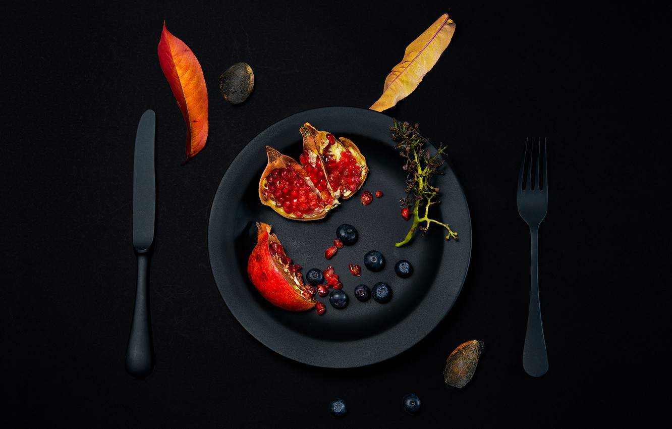 Photo wallpaper berries, table, foliage, plate, knife, plug, garnet