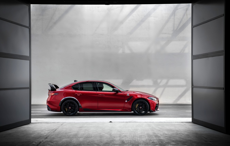 Photo wallpaper Alfa Romeo, sedan, in profile, Giulia, GTAm, 2020, Gran Turismo Alleggerita changed