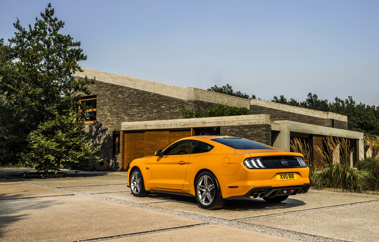 Photo wallpaper orange, Ford, Parking, 2018, fastback, Mustang GT 5.0
